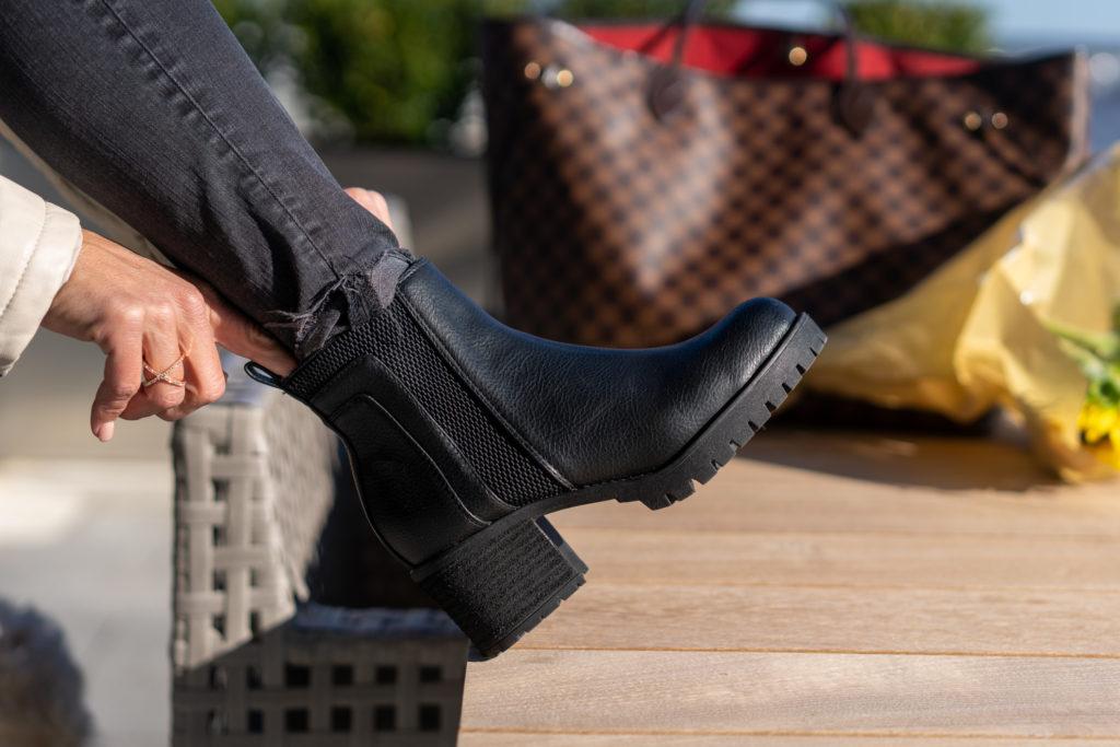 Black Chelsea Boots.